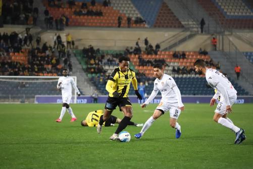 ליווי גארסיה עם הכדור